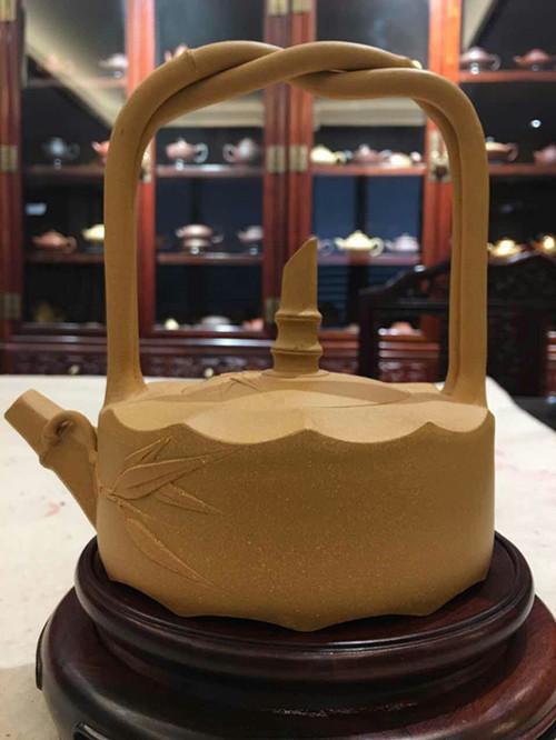 中国梦全民梦:《聚焦两会》艺术创新人物---国礼大师吴海龙